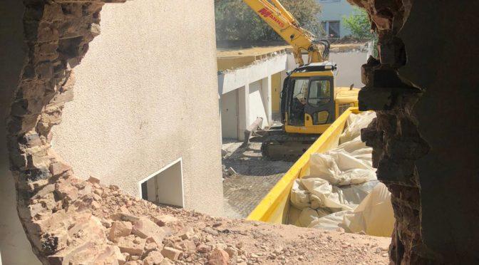 Neue Bilder zum Abriss des Sakristeigebäudes und der Garagen